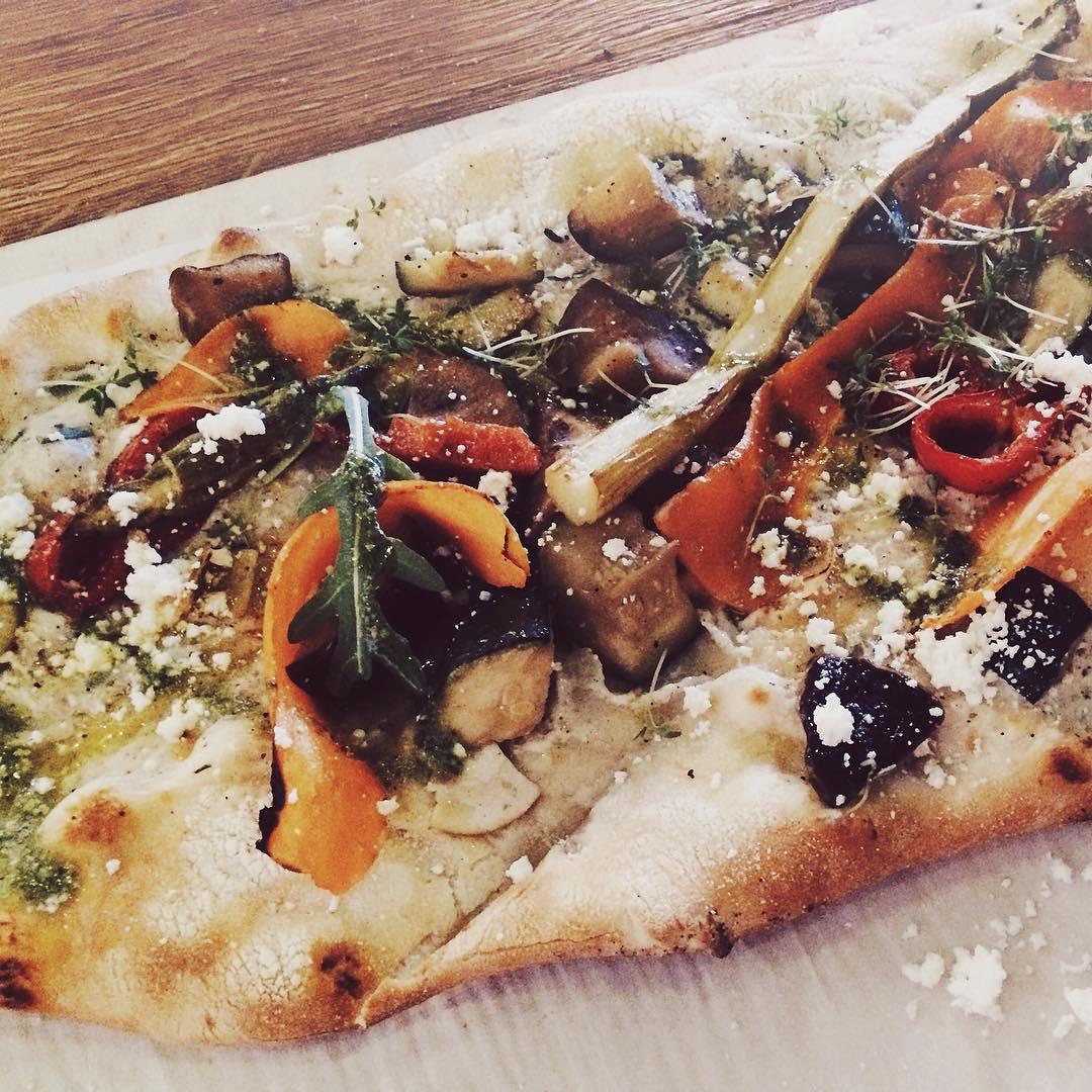 FeierabendVeggiePizza pizzalove wochenendegenieen feierabend veggi eatyourveggies bloggerde foodblogger foodloverde