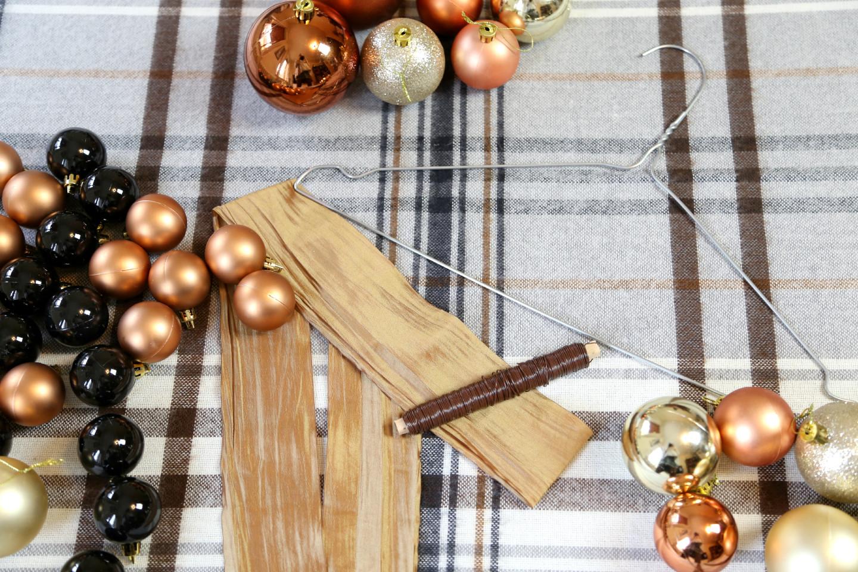 weihnachtskugelkranz bastelanleitung 1
