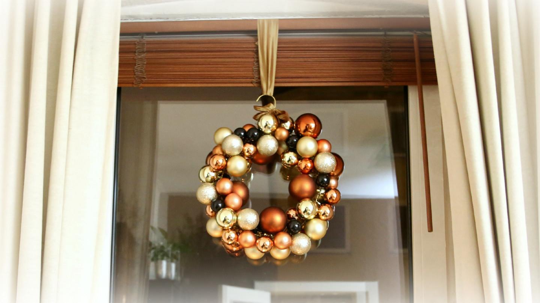 weihnachtskugelkranz-basteln-3